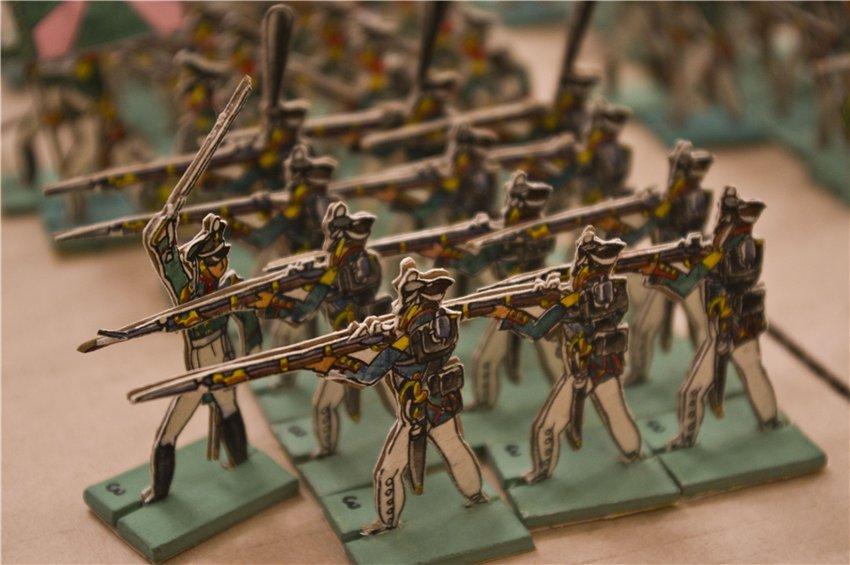Солдатики из картона